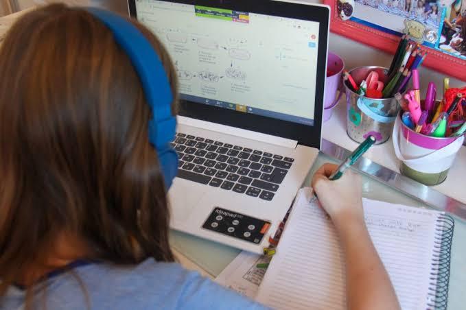 Aula online: o segredo para o foco das crianças