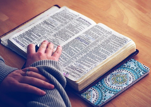 É correto um cristão utilizar a hipnose? Como ajuda um fiel?